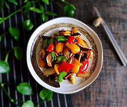 #精品菜谱挑战赛#彩椒菌菇小炒的做法