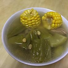 苦瓜玉米排骨汤