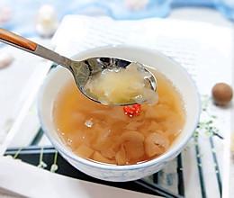 #憋在家里吃什么#满满胶质的桃胶炖银耳的做法