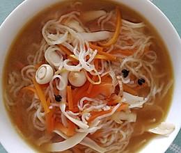 菌丝粉丝汤的做法