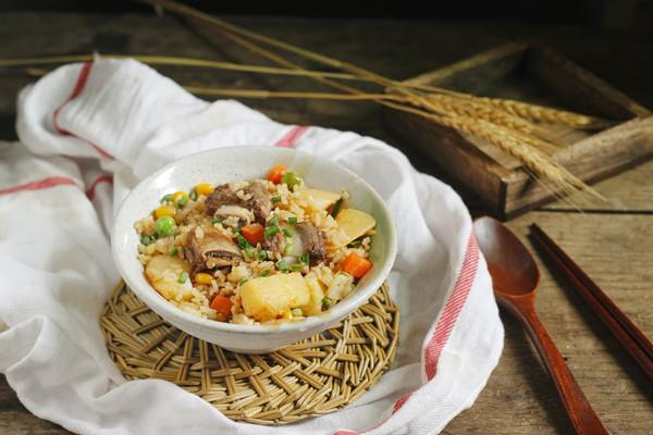 新手土豆排骨焖饭(电饭锅版)的做法