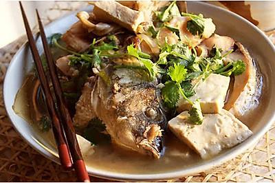 红烧鲤鱼炖豆腐