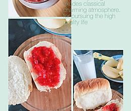 #换着花样吃早餐#手撕面包➕自制草莓酱