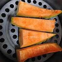 养胃粥品:小米南瓜粥的做法图解3