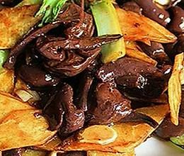 红蘑炒土豆片的做法