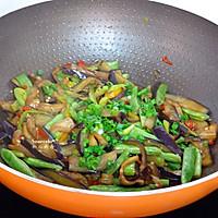 茄子干煸四季豆的做法图解7