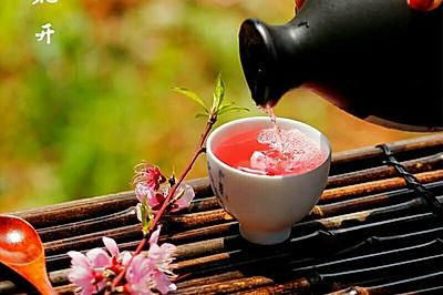 桃花草莓酿