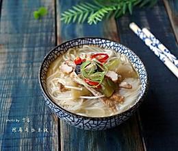 【十分钟美味早餐】榨菜肉丝米线#小妙招擂台#的做法
