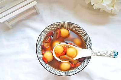 广东人冬天必备的补血美容养颜汤:简单快手的酒酿圆子