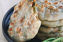 皮薄馅大的干烙馅饼--香椿馅饼的做法