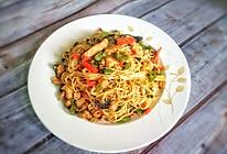 #美食新势力#超好吃的祛湿藤椒鸡炒面的做法