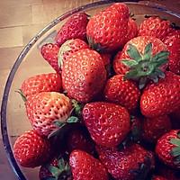 草莓柠檬鸡尾酒的做法图解1