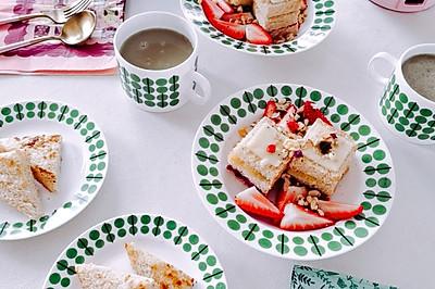 早餐:绿豆汁,紫薯果酱三明治