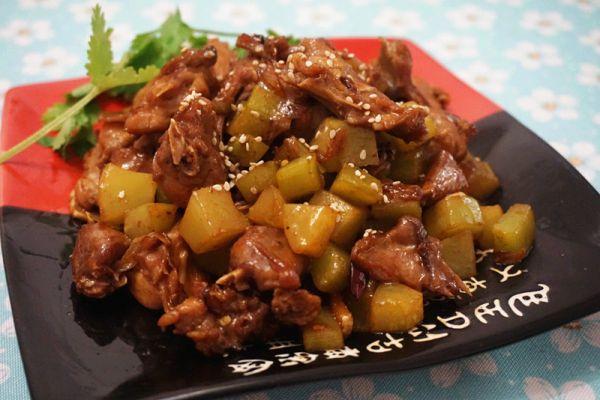 干锅青笋兔肉的做法