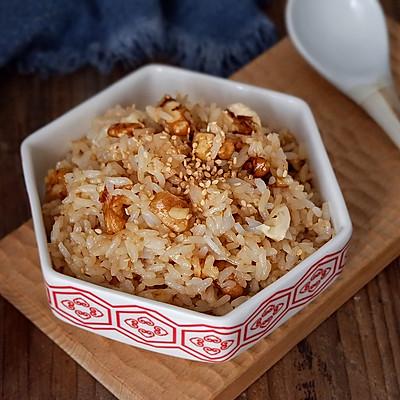芝麻核桃蚝油炒饭