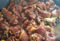 酱焖牛肉的做法