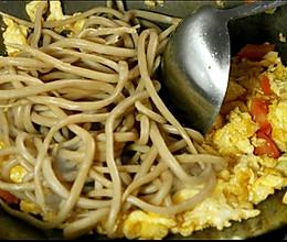 山西有种面食是手搓出来的炒莜面鱼鱼的做法