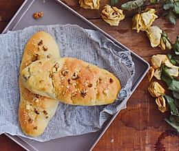 #秋天怎么吃#葡萄干欧包的做法