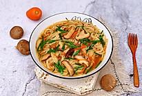 #肉食者联盟#香菇肉沫汤面的做法