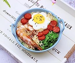 #精品菜谱挑战赛#对虾红肠时蔬泡面的做法