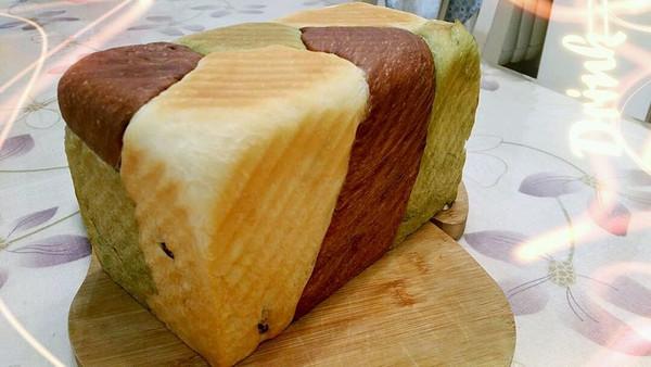 三色葡萄干土司的做法