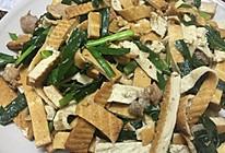 韭菜香干炒瘦肉的做法