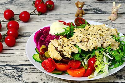 香煎鸡胸肉拌蔬果沙拉