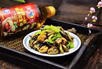 #多力金牌大厨带回家-上海站#茄条炒海虹的做法