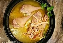 墨鱼炖土鸡的做法