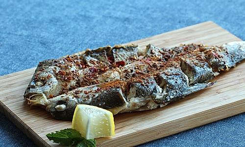 [舌尖2]烤华子鱼的做法