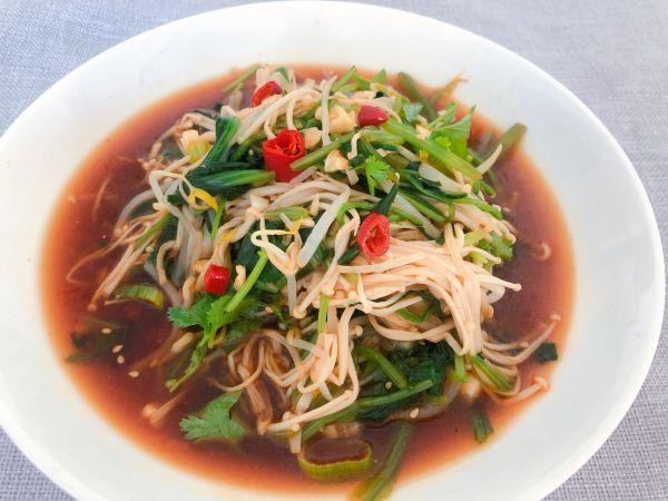开胃凉拌菠菜金针菇