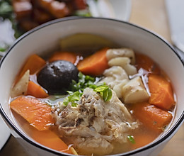时蔬炖大骨汤的做法