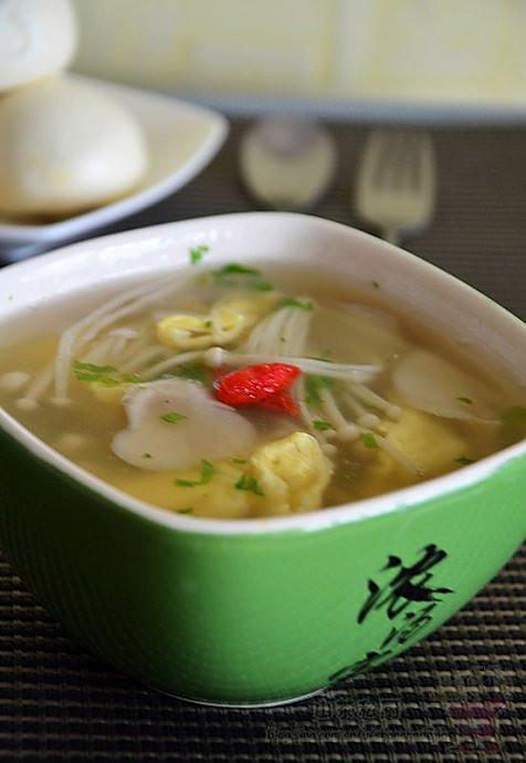 鸡蛋鲜菌汤的做法