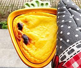 #憋在家里吃什么#史上最简单蛋糕 不用打发酸奶蛋糕的做法