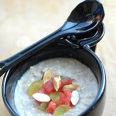 5分钟的降低胆固醇且减肥食谱——水果燕麦冰粥
