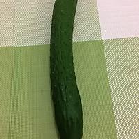 卷筒黄瓜的做法图解1