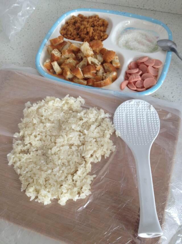 家常油条_糯米饭团的做法_【图解】糯米饭团怎么做如何做好吃_糯米饭团 ...