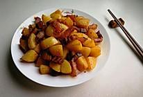土豆烧腊肉的做法