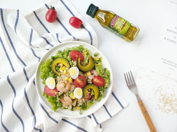 减脂餐—藜麦虾仁沙拉的做法