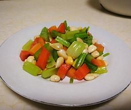 凉拌杏仁芹菜的做法