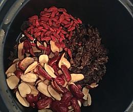 枸杞桂圆红枣茶——美容养颜的做法