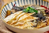 鱼头泡饼|咸香松软的做法