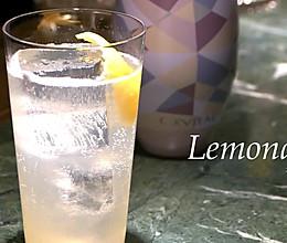 把那些酸涩化为香甜可口的柠檬汽水的做法