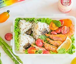 海盐柠檬虾配藜麦饭团的做法