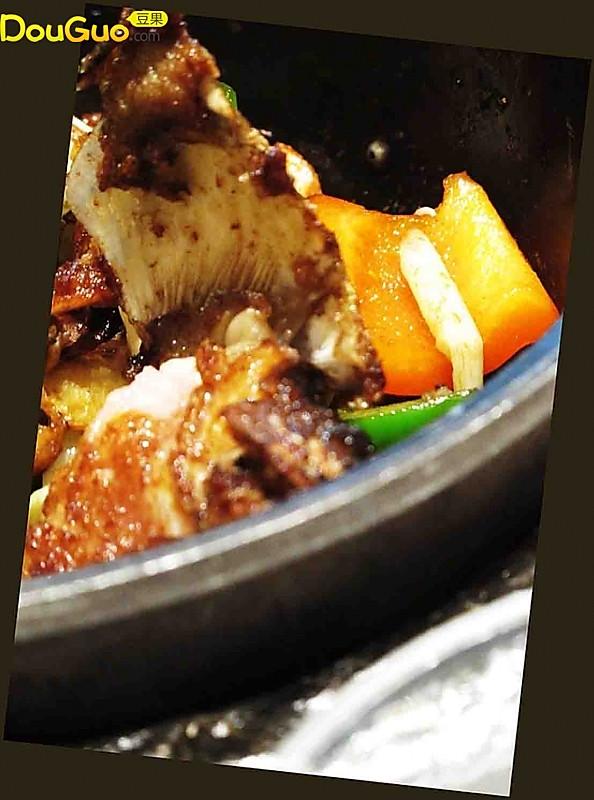 河鲜滋味-焦香鱼头褒的做法