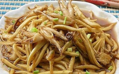 八爪鱼炒茭白的做法