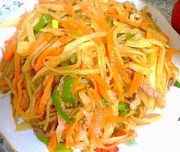 胡萝卜炒土豆丝肉丝的做法