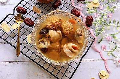 猴头菇黄芪鸡汤