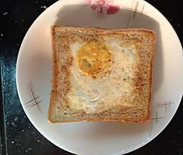 美味早餐:鸡蛋吐司汉堡的做法