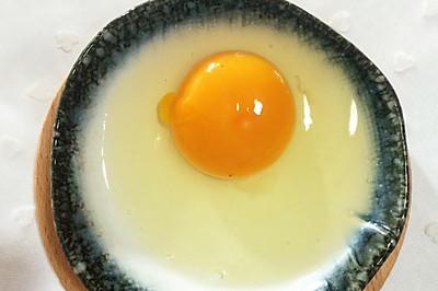 2秒单手敲鸡蛋